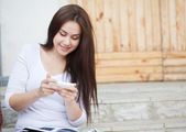 Girl reading sms — Stock Photo