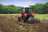 Tractor. Field. — Stock Photo