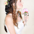 Beautiful young bride in wedding dress. — Stock Photo #5395624