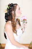 Beautiful young bride in wedding dress. — Stock Photo