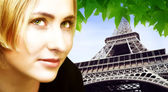 Blond woman and Eiffel Tower — Stock Photo