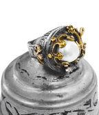 Guld och silver turkiska ottomanska ring med pärla — Stockfoto