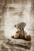 Grunge teddy bear. — Stock Photo