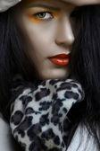 Mujer con maquillaje naranja — Foto de Stock