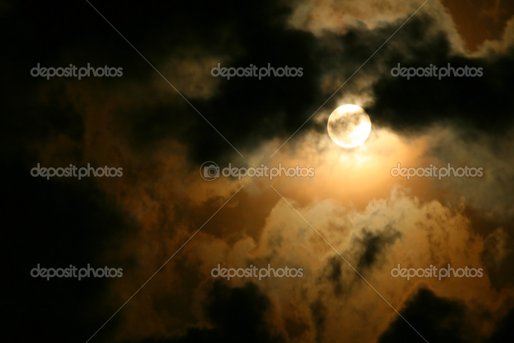 Full moon cloudscape — Stock Photo #5523399