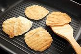 Cooking pancakes — Stock Photo