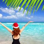 Santa woman tourist christmas caribbean vacation — Stock Photo