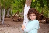 Toeristische meisje poseren in riviera maya jungle — Stockfoto