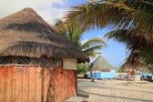 Tropical wood hut palapa in Cancun Mexico — Stock Photo