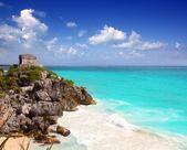 Ancient Mayan ruins Tulum Caribbean turquoise — Stock Photo