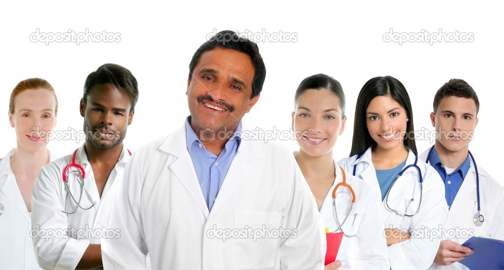 Indian latin expertise doctor multi ethnic doctors nurse in background — Stockfoto #5397879