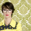 Nerd woman retro portrait 70s vintage housewife — Stock Photo