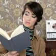 Book reading woman retro vintage wallpaper room — Stock Photo
