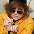 Eighties fashion metaphor woman yellow jacket — Stockfoto