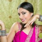 Beautiful indian brunette traditional fashion style — Stock Photo