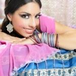 estilo de la manera tradicional morena India hermosa — Foto de Stock   #5498491