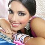 Retrato de mujer morena India hermosa — Foto de Stock