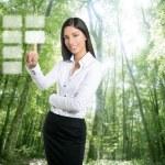 brunetka ekologiczne interesu dotykowy klawiatura — Zdjęcie stockowe