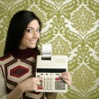 Retro accountant woman calculator wallpaper - Zdjęcie stockowe