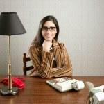 revisor sekreterare retro kvinna vintage office — Stockfoto