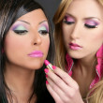 muchachas de la manera de lápiz labial maquillaje muñeca barbie retro de los años ochenta — Foto de Stock   #5499449