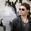Rocker rock star young man sunglasses — Stockfoto
