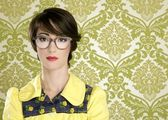 Nerd woman retro portrait 70s vintage housewife — Zdjęcie stockowe