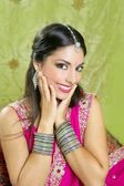 Beautiful indian brunette traditional fashion style — Stock Photo