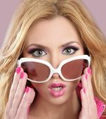 Fashion barbie doll style blode girl pink makeup — Stock Photo
