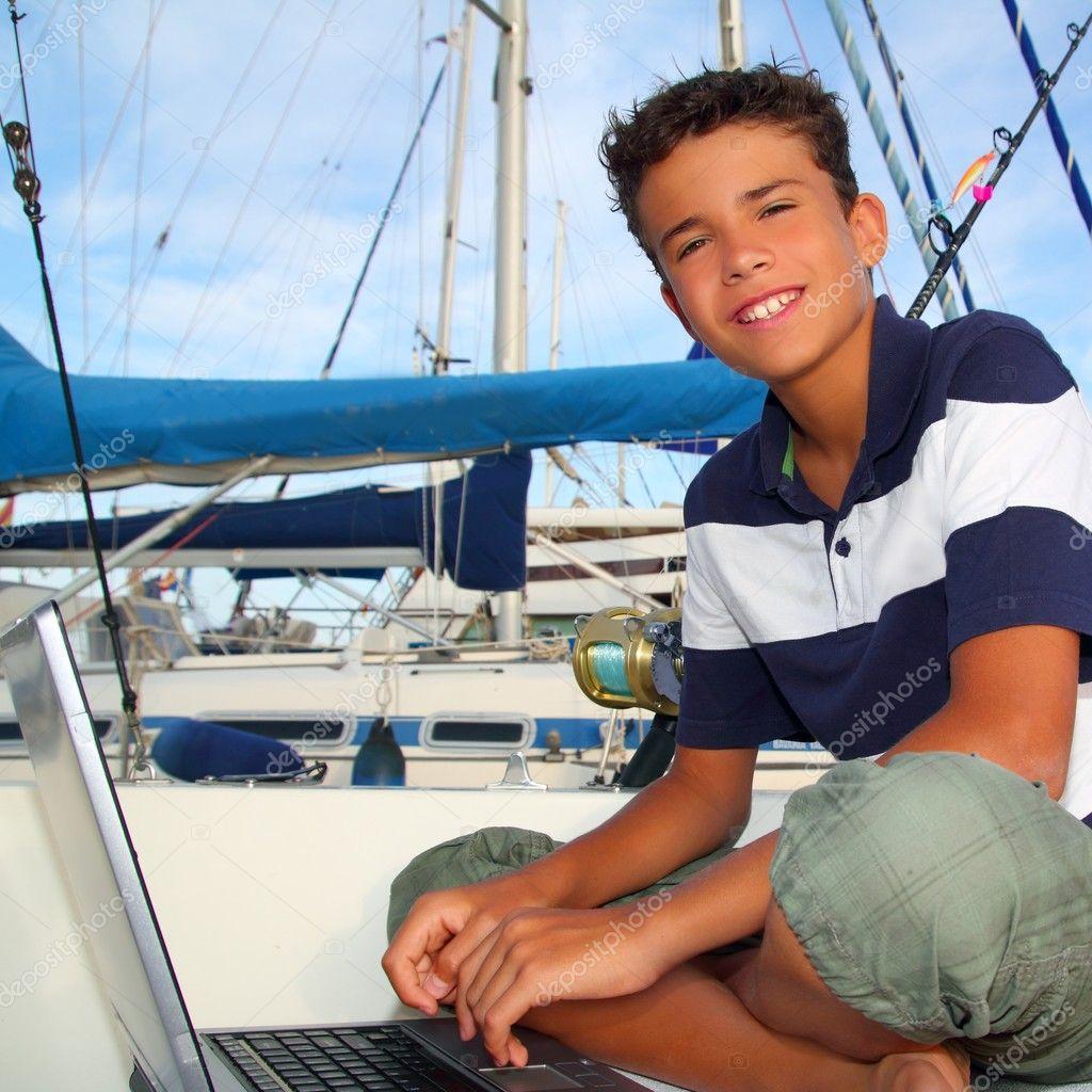 Boat Teen 32