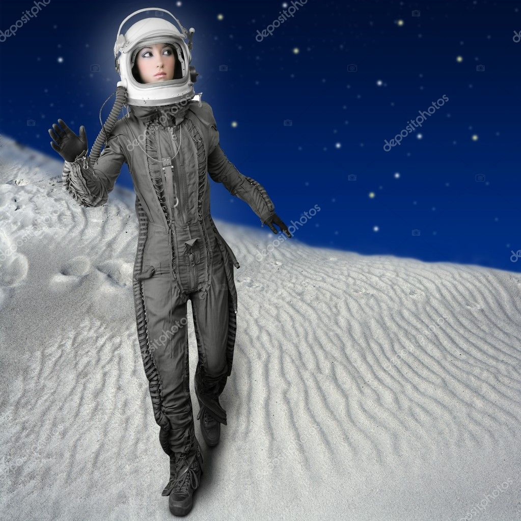 Astronaut woman futuristic metaphor moon out space planets — Zdjęcie stockowe #5495323