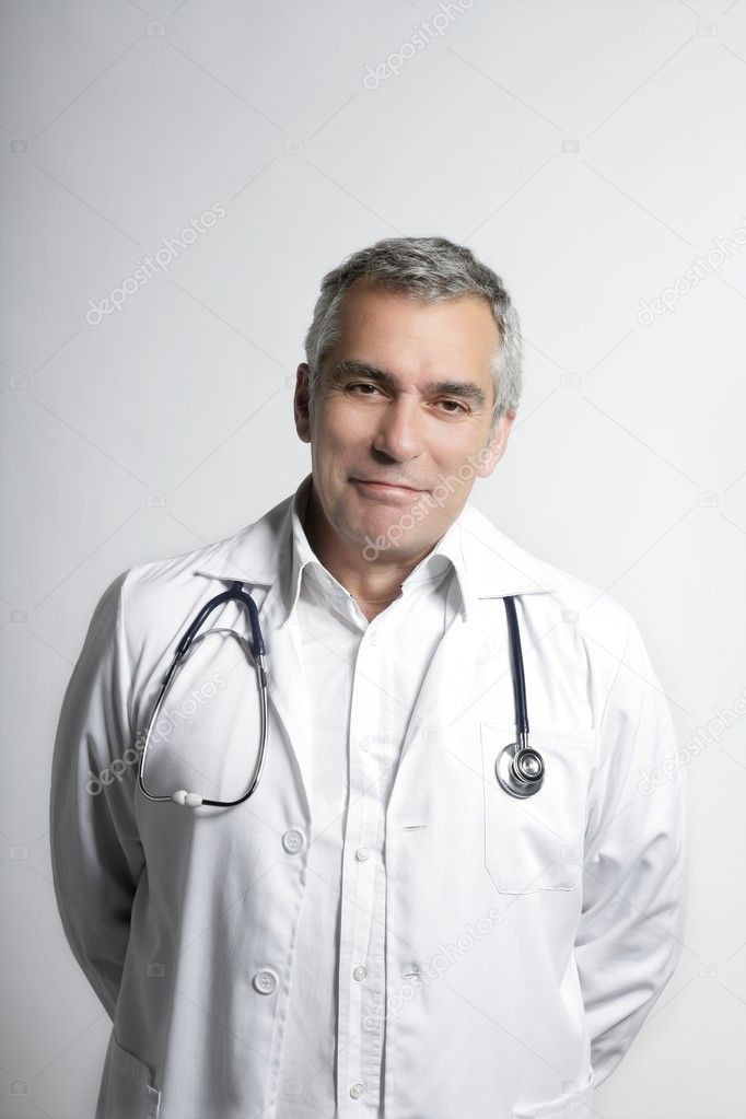 Expertise doctor senior gray hair smiling portrait — Stock Photo #5497690