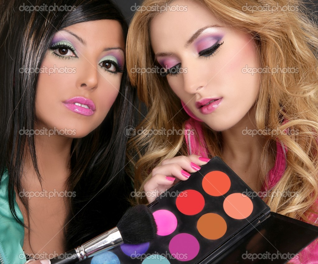 Eyeshadow makeup palette brush two fashion barbie girls 1980s style portrait — Stock Photo #5499455