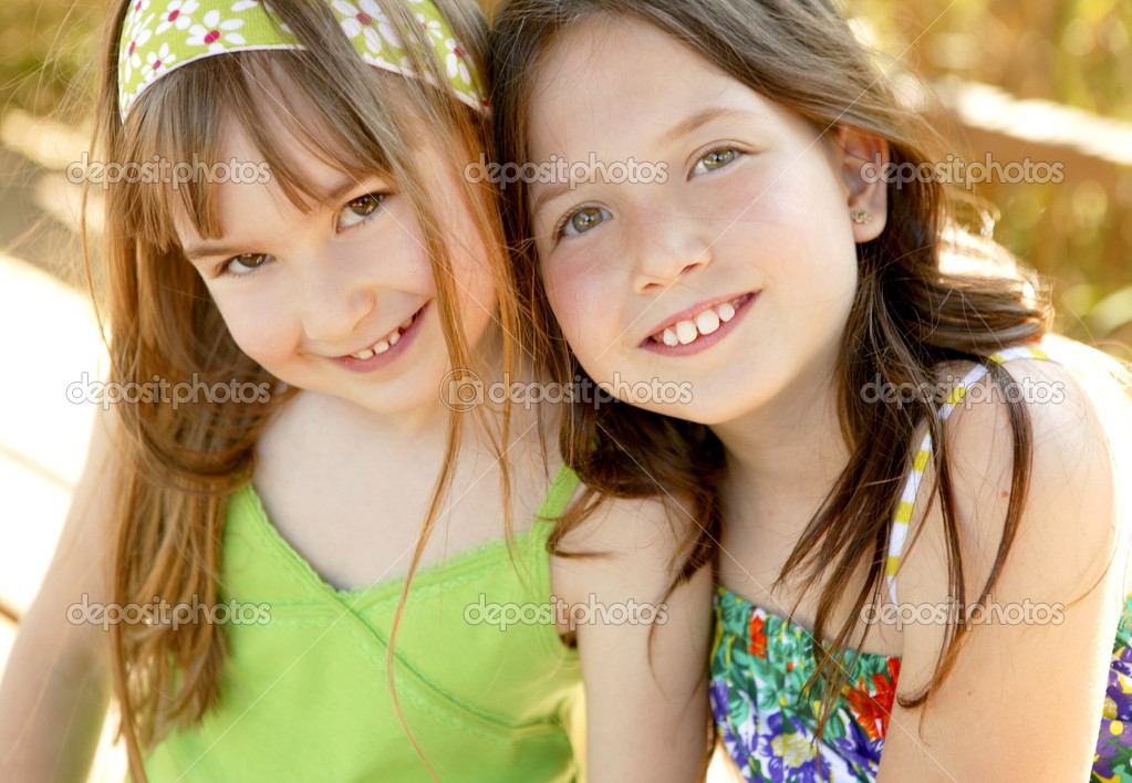 Two sister happy together in outdoors at the park — Stock Photo #5499925