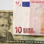 Dolar versus euro note, finance metaphor — Stock Photo