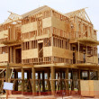Wood house contruction, american wooden structure - Стоковая фотография