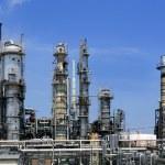 Oil industry installation, metal skyline blue sky — Stock Photo