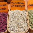 medicina natural herbal medicina tradicional de mercado — Foto Stock
