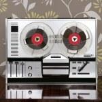 Classic retro reel to reel open 60s vintage music — Stock Photo