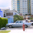 Miami beach casual coast city cars and buildings — ストック写真