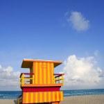 Lifeguard houses in Miami Beach — Stock Photo