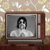 Geek mustache tv presenter in retro wood television — Stock Photo