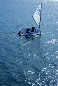 Optimista, recreación regata pequeño velero, españa — Foto de Stock