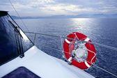 Bue oceán moře z lodí — Stock fotografie
