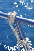 Marine knot detail stainless steel boat railing — Stock Photo