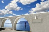 Mediterranean sea view white archs architecture — Stock Photo