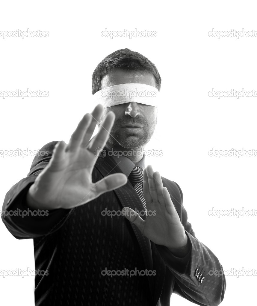 Blindfolded businessman over white background, defense martial arts — Stock Photo #5500128