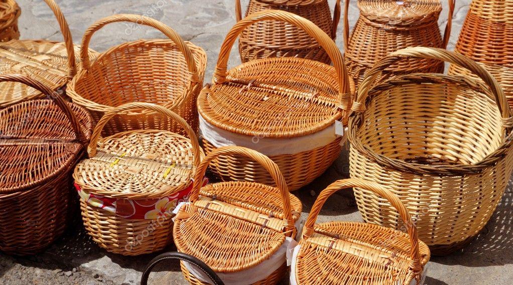 Artesan as tradicionales de cester a en espa a fotos de for Artesanias de espana
