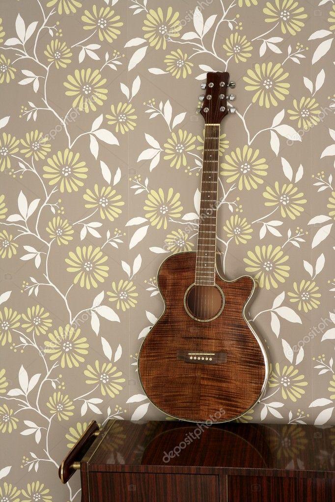 akustikgitarre auf vintage 60er jahre tapete retro. Black Bedroom Furniture Sets. Home Design Ideas