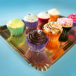 Cupcakes colorful cream muffin arrangement - 图库照片